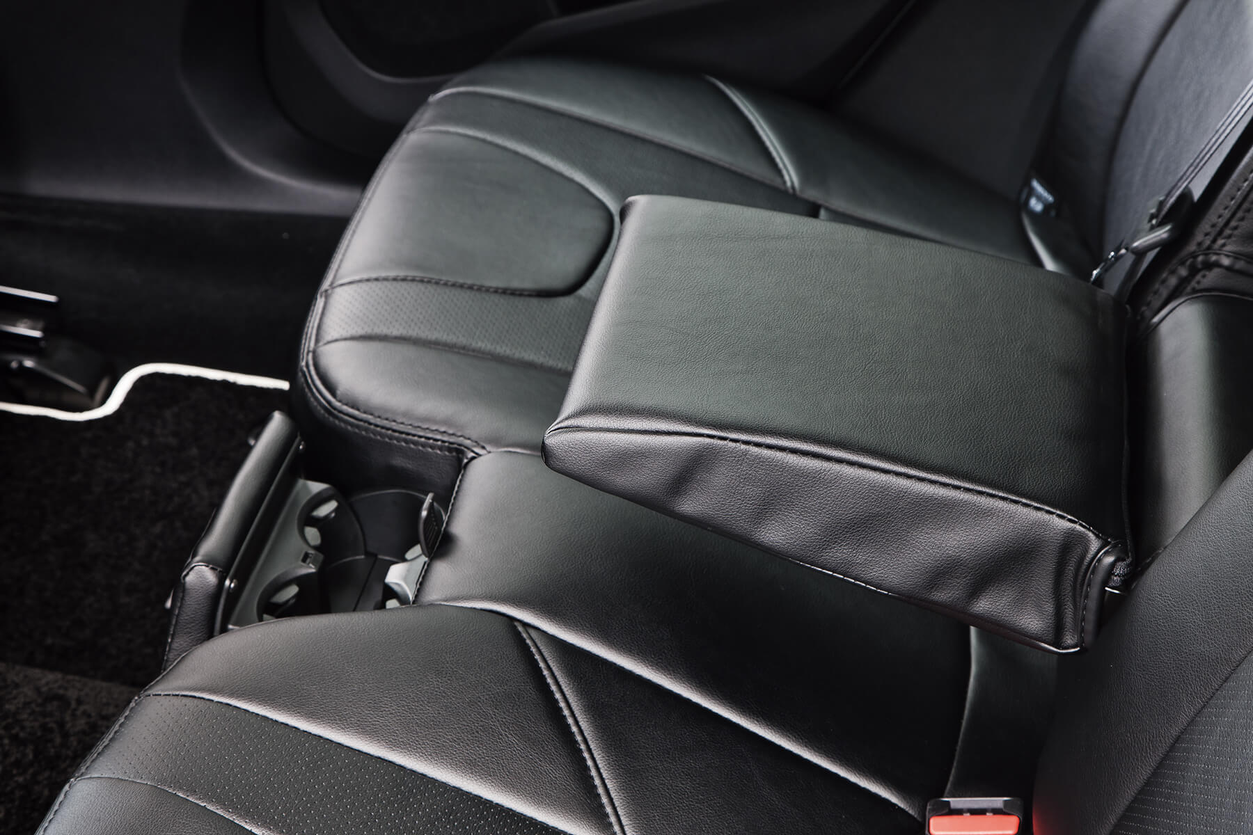 V40(MB)R-CENTER ARM REST