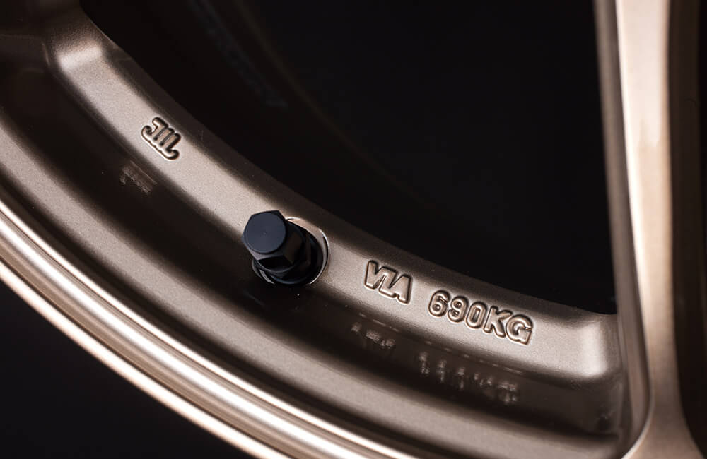 The structure of the rim makes a high-strength of the wheel, meets the criterion of JWL and VIA.